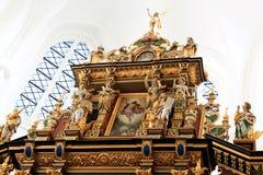 Altar do kyrka de Sankt Petri, Malmö, Suécia imagem de stock