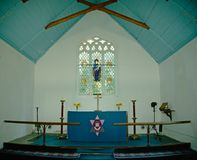 Altar e coro da igreja imagem de stock