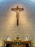Altar e cruz fotos de stock