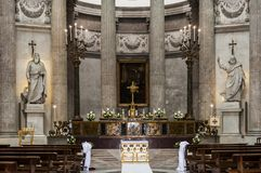 Altar em San Francesco di Paola foto de stock