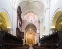Altar im Innenraum der gotischen Kathedrale Tarragona Stockfotos
