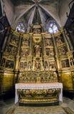 Altar im Innenraum von Barcelona-Kathedrale, Spanien Stockfotos