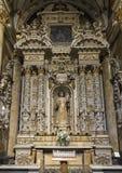 Altar lateral da catedral do domo com nossa senhora Queen da paz, Lecce, Itália foto de stock royalty free
