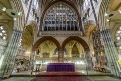 Altar maggiore e finestra orientale nella cattedrale di Exeter Fotografie Stock Libere da Diritti