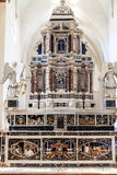 Altar in Major Chapel von Chiesa-Di Santa Corona Stockfotos