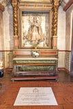 Altar mit Mary bei Carmel Mission Lizenzfreie Stockbilder
