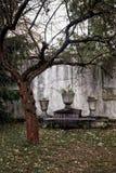 Altar por el árbol Fotografía de archivo libre de regalías