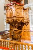 Altar und Ikonen in der alten Kirche in Arequipa, Peru, Südamerika. Lizenzfreies Stockbild