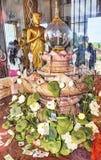altar Vidrio-protegido con dentro del diente de Budda en Wat Chalong imagen de archivo libre de regalías
