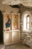 Altare al monastero della roccia Fotografia Stock Libera da Diritti