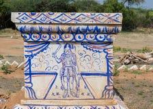 Altare al santuario di Ayyanar del villaggio di Pilivalam Fotografia Stock