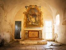 Altare antico con l'affresco Immagini Stock Libere da Diritti