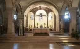 Altare av den lägre kyrkan av St-kyrkafermoen större verona veneto Italien Europa Arkivbilder