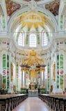 Altare av jesuitkyrkan i Mannheim, Tyskland Royaltyfria Bilder