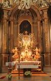 Altare in basilica Fotografie Stock Libere da Diritti