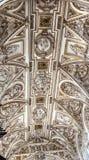 Altare bianco Moschea Cordova Spagna di Ceiiing della cattedrale Immagini Stock