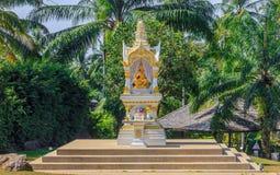Altare buddista in Krabi Tailandia Immagini Stock Libere da Diritti