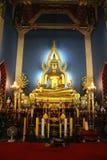 Altare buddista in tempiale Immagini Stock Libere da Diritti