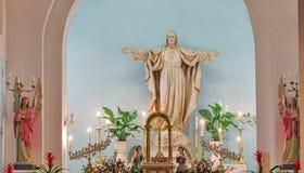 Altare in chiesa cattolica romana Fotografia Stock