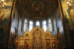 Altare in chiesa del salvatore su sangue in San Pietroburgo Fotografie Stock Libere da Diritti