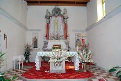 Altare in chiesa locale sull'isola Susak vicino a Mali Losinj Immagine Stock Libera da Diritti