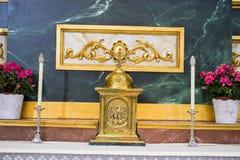 Altare con le immagini dell'oro Settimana santa in Spagna, immagini dei vergini Fotografie Stock Libere da Diritti
