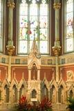 Altare decorato vecchio in una chiesa Fotografie Stock