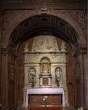 Altare dedicato a vergine Maria benedetto ed all'infante Gesù dentro la basilica di Esztergom, Esztergom, Ungheria fotografie stock libere da diritti
