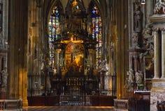 Altare del main della cattedrale della st Stephens Fotografia Stock