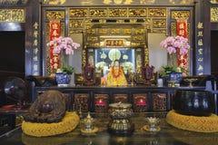 Altare del tempio buddista Fotografia Stock