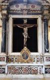 Altare dell'incrocio santo, chiesa francescana dei frati secondari in Ragusa Immagini Stock