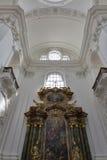 Altare della chiesa collegiale a Salisburgo, Austria Fotografia Stock