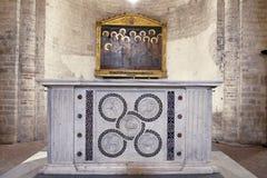 Altare della chiesa della st Eufemia. Spoleto Fotografie Stock