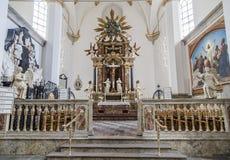 Altare della chiesa della trinità santa Immagine Stock