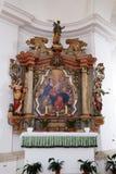 Altare della nostra signora nella chiesa del presupposto di vergine Maria in Pokupsko, Croazia Fotografie Stock Libere da Diritti