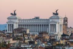 Altare della Patria, Rome på solnedgången arkivfoton
