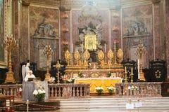 Altare dentro la basilica - Italia Fotografia Stock
