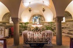 Altare di fede con lume di candela Immagine Stock