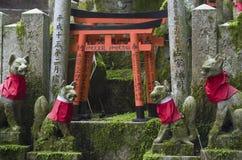 Altare di Fushimi Inari, Kyoto, Giappone Fotografia Stock Libera da Diritti