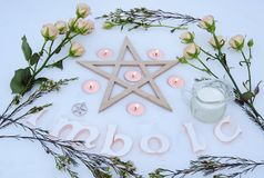 Altare di inverno per il sabato di Imbolc Fotografia Stock Libera da Diritti