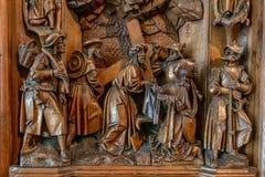 Altare di legno con le sculture Immagini Stock Libere da Diritti