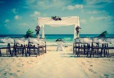 Altare di nozze sulla spiaggia Immagini Stock
