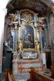 Altare di Santa Barbara nella chiesa di Barmherzigenkirche a Graz Immagine Stock