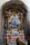 Altare di St John il Nepomuk nella chiesa di Barmherzigenkirche a Graz Fotografia Stock