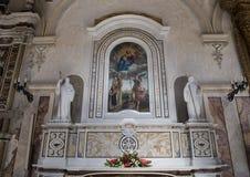 Altare di St John di Matera nella cattedrale di Matera con la verniciatura Madonna e del bambino Immagine Stock Libera da Diritti