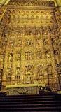 Altare dorato della cattedrale in Siviglia in Andalusia Spagna Fotografia Stock