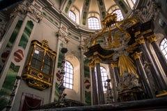 Altare dorato e decorato di Jesuitenkirche, Mannheim Germania Fotografia Stock