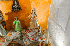 Altare ed icone in vecchia chiesa a Arequipa, Perù, Sudamerica Fotografia Stock