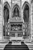 Altare i den StBarbara kyrkan i Kutna Hora, Tjeckien royaltyfri bild