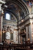 Altare laterale nella chiesa della gesuita a Roma Fotografie Stock Libere da Diritti